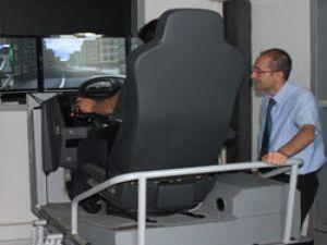 Mercedes-Benz Türk, Sürüş Eğitimleri ile Trafikteki Güvenliği ve Bilinci Arttırıyor