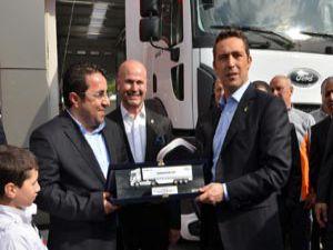 Erdeğer, Türkiye'nin İlk Ford Trucks 4S Plazasını Hizmete Açtı
