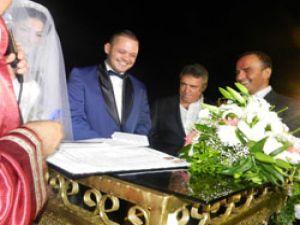 Otobüs camiası Onur Tanrıverdi'nin düğününde buluştu
