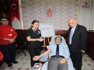 İETT'den Türk Kızılayı'na Taze Kan Desteği