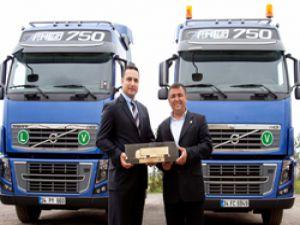 Volvo'nun en güçlü çekicisi Türkiye'deki ilk sahibine teslim edildi