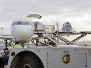 UPS Türkiye acil paletli yurt dışı gönderiler için yeni worldwıde express freıght servisini hizmete sundu