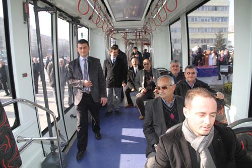 İzmit' de tramvay için yapılan oylama belirleyici olmaya başladı