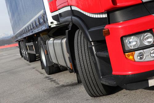 Standart dışı kaplama lastikler trafikte tehlike yaratıyor