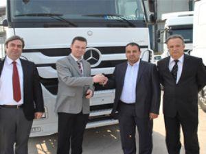 Gülsoy, Uluer'e 100 Adet Mercedes –Benz Axor çekici satışı yaptı