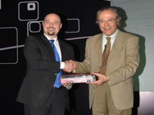 """Mercedes-Benz Türk, otobüs dünyasının """"Genç Liderler""""ini buluşturmaya devam ediyor"""