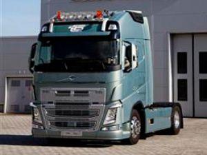 Transbatur Milletlerarası Nakliyat'a Türkiye'nin ilk Euro 6 motorlu Volvo Kamyon teslimatı