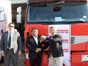 Akran Nakliyeye Renault Truckstan 50 adetlik teslimat