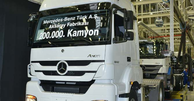 200.000'inci kamyonun banttan indi