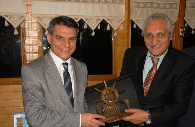 Hopa Liman Başkanı İshak Özdemir'e Veda Yemeği