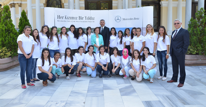 Her Kızımız Bir Yıldız, Yıldız'ları İstanbul'da