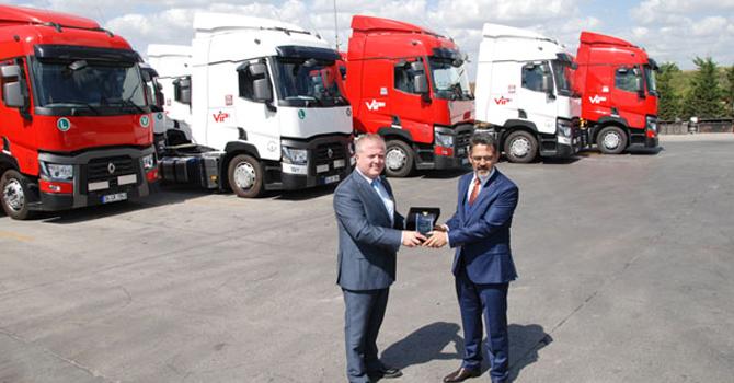 Filolar, Renault Trucks T460 Çekiciler İle Genişliyor