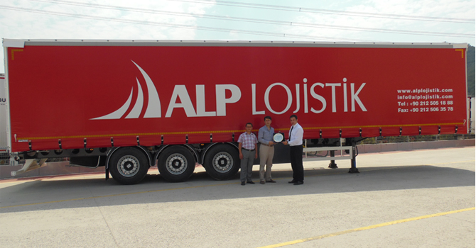Alp Lojistik'ten Perdeli Hafif Treyler Yatırımı