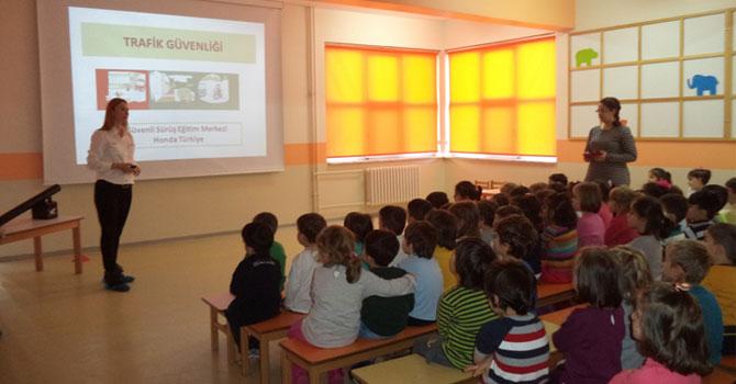40 Yıllık Deneyimle Okul Öncesi Çocuklarına Trafik Eğitimi