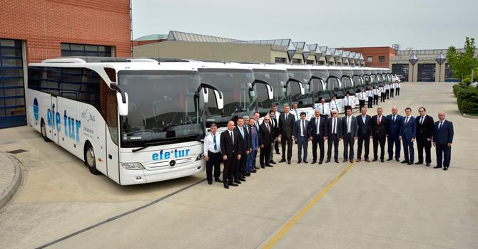 Efe Tur 19 adet  Tourismo'yu filosuna kattı