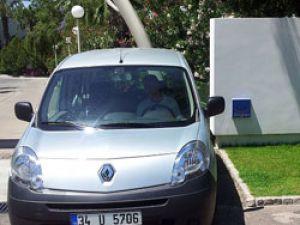 Turistler elektrikli araçla taşınacak