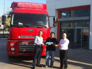 İzmirli Edip Yavuz Lojistik, filosuna 10 adet Ford Cargo 1838T çekici ekledi