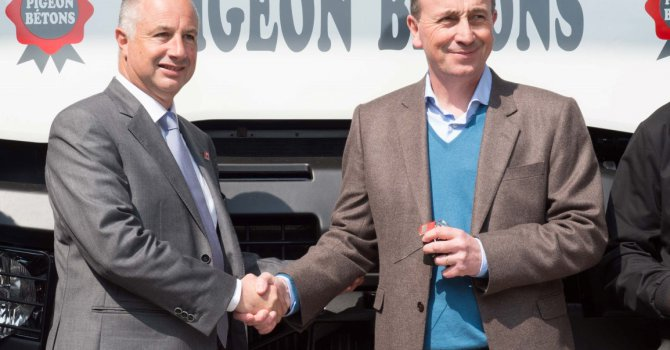 Renault Trucks  800.000 Kamyon Teslim Etti