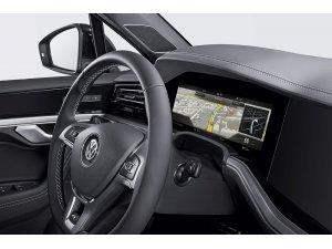 Bosch bir ilke imza attı kavisli gösterge panelini çıkarttı