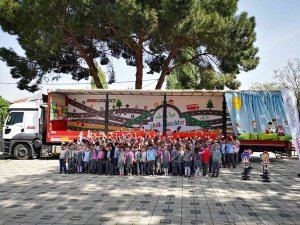 Mars Lojistik Akıllı Tırı Bursa'lı çocuklar için yola çıktı
