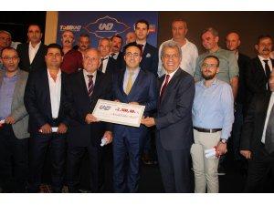 UND yöneticiler ve sürücüler ödül töreni
