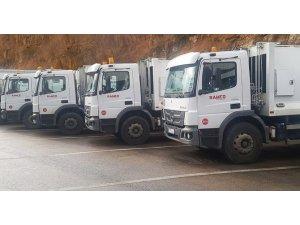 Lübnan'nı Allison şanzımanlı kamyonlar temizliyor