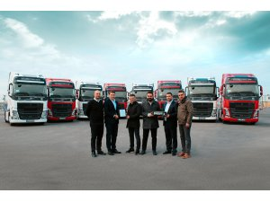 Volvo Trucks'tan 10 adetlik FH460 teslimatı