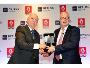 Netlog, 150 adetlik Renault çekiciyi filosuna kattı