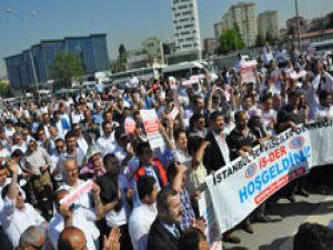 Servisçiler son 30 yılın en büyük eylemini gerçekleştirdi