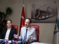 Bozankaya ve Kayseri Büyükşehir Belediyesi, 30 tramvay için protokol imzaladı