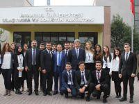 UND, 20 Öğrenciye Burs Belgelerini Verdi