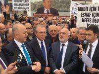 Plaka Tahditi için mücadele sürüyor