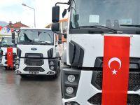 Büyükşehir'den 30 ilçeye 90 araç