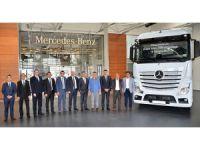 Mercedes-Benz'den Kökez Uluslararası Nakliyat'a 20 Actros çekici
