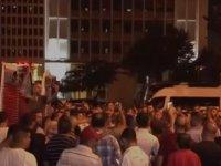 """Servisçilerden İBB önünde """"tahdit kararı"""" kutlaması"""