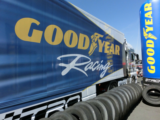 1455608430_goodyear_becomes_truck_racing_partner_2__002_.jpg