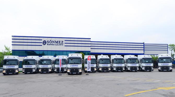 1461237941_renault_trucks_sonmez_bustas_teslimat_gorseli_2.jpg