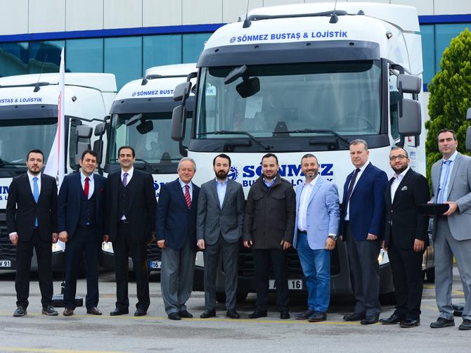 1461237942_renault_trucks_sonmez_bustas_teslimat_gorseli_1.jpg