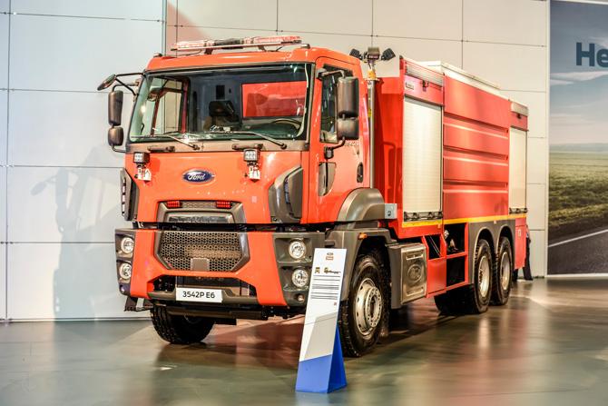 1463824777_ford_trucks.jpg