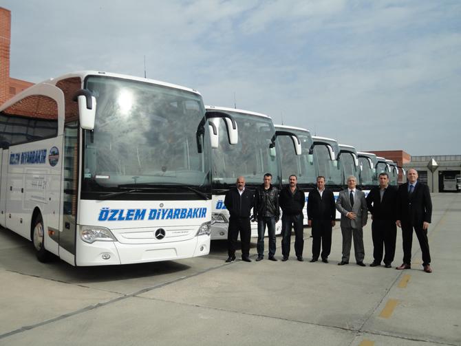 2014_10_21_ozlem-diyarbakir-filosuna-10-adet-mercedes-benz-travego-daha-ekledi-(1).jpg