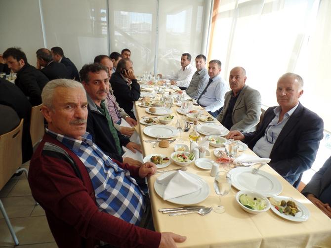 2014_11_05_-mercedes-benz-turk-halk-otobusu-isletmecilerini-agirladi-(5).jpg