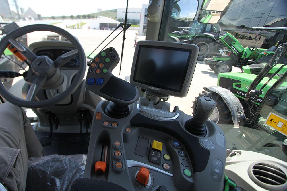 2019-sdf-traktorleri.jpg