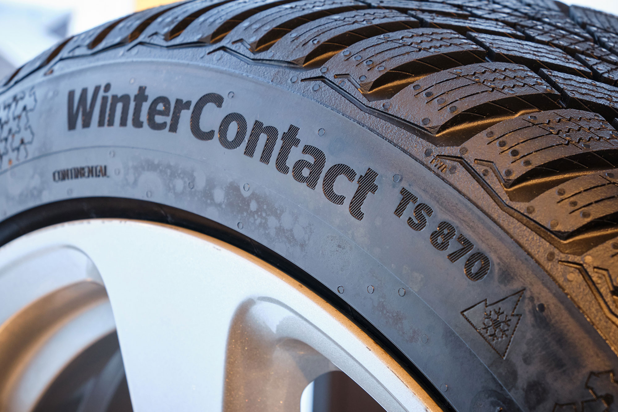 continental_winter_contact_ts_870.jpg
