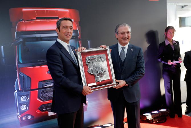 ford+trucks+tunalar+4s+acilisi+02-001.jpg