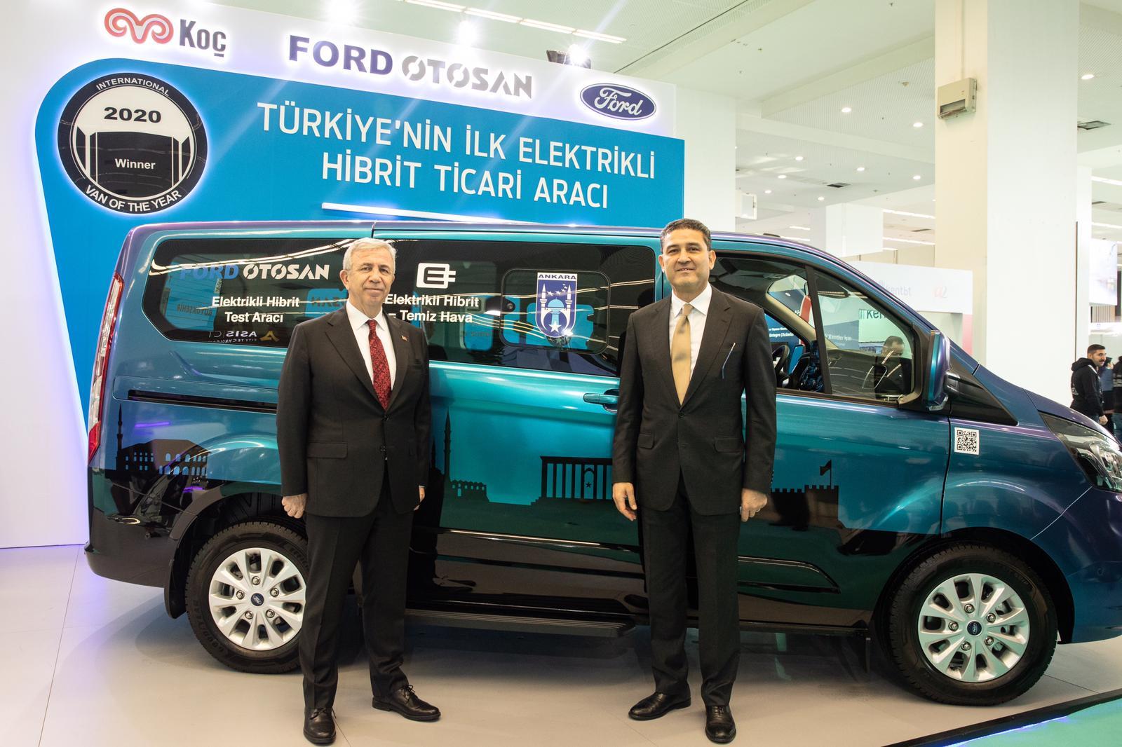 ford-custom-phev_ankara-bbb-mansur-yavas--ford-otosan-gm-haydar-yenigun.jpeg