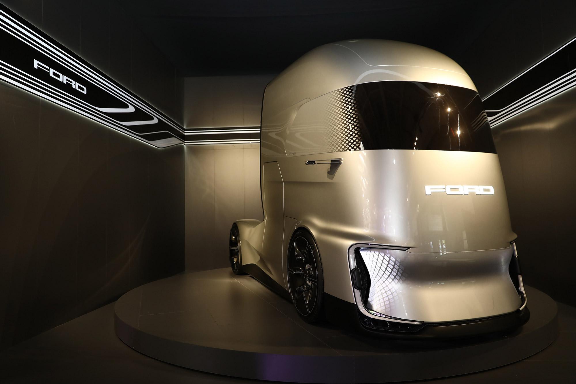 ford-trucks-f-vision.jpg