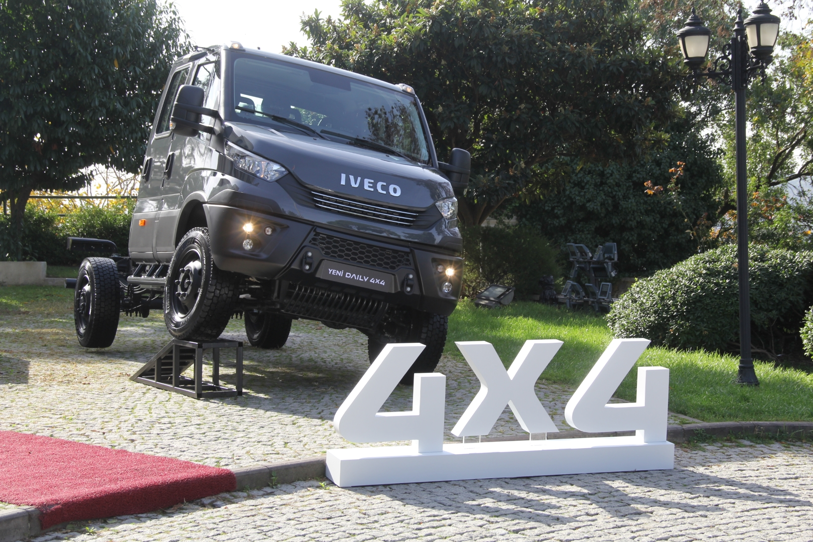 iveco-daily-4x4-(3).jpg