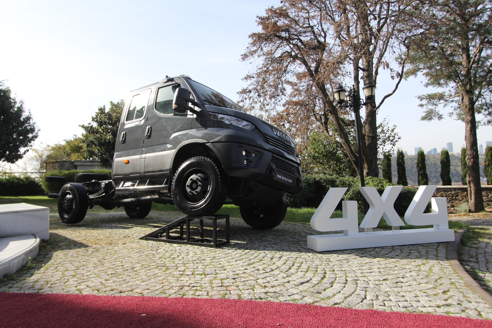 iveco-daily-4x4-(4).jpg