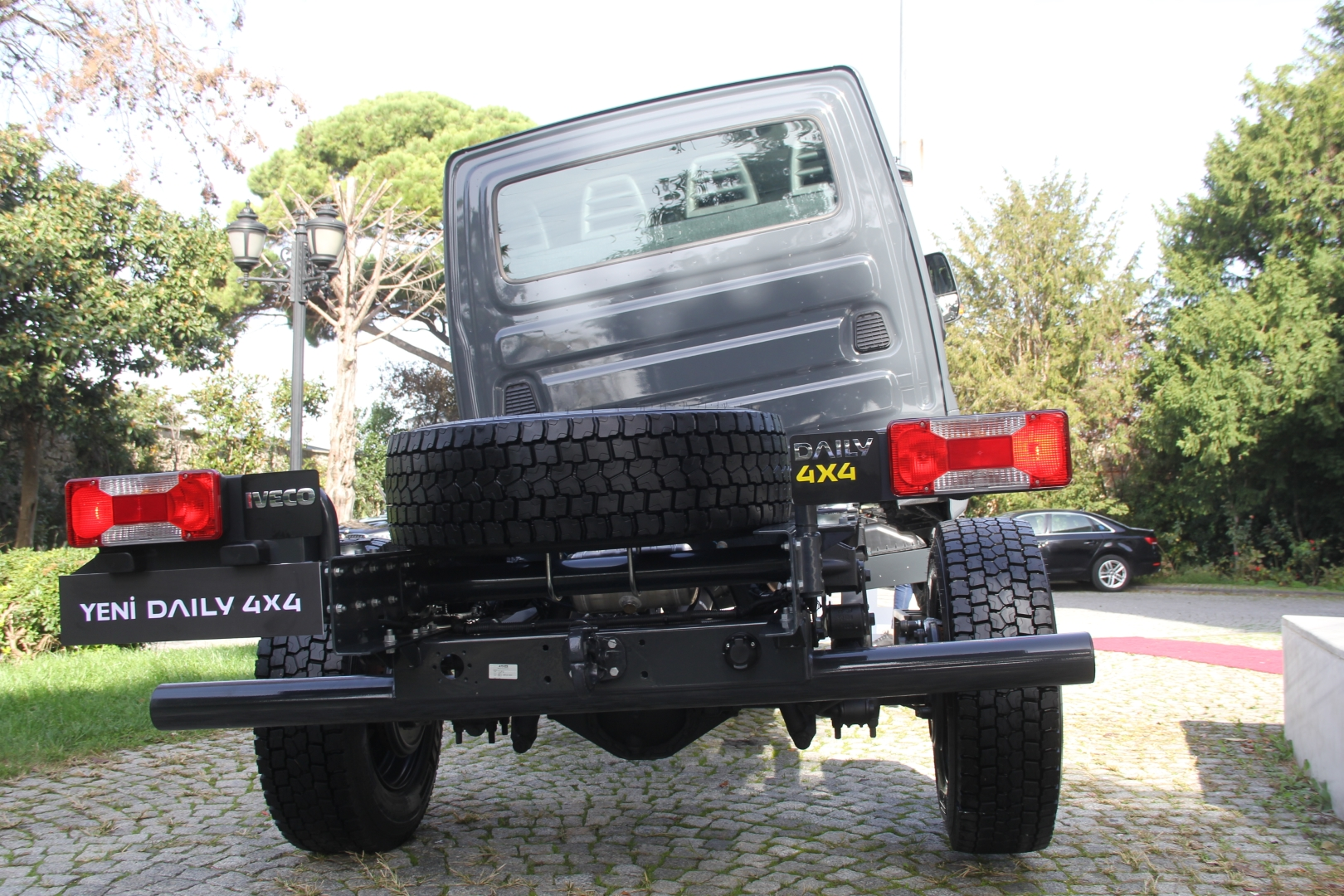 iveco-daily-4x4-(9).jpg