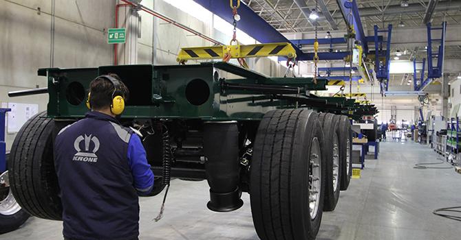 krone-treyler-izmir-tire-fabrikasi.jpg